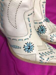 Ladies BCB Girls Beige & Turquoise Cowgirl Fashion BOHO Festival Boots Size: 8B