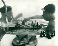 HUNGARY TOWNS BUDAPEST - CHESS FLOATING, HONG, VISI - Vintage photograph 3897533