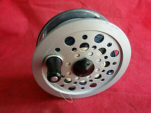 """A SUPERB CONDITION 4 1/4"""" SHAKESPEARE BEAULITE SALMON FLY REEL + LINE"""