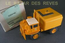 GESCHA KIT. CATERPILLAR 769 B Citerne arroseuse de chantier.