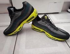 Zapatillas para hombre Nike Air Max. Gris Verde yelloe. Size UK 9. 44 euros.