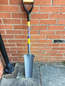 Spear & Jackson 405 x 105 mm Newcastle Drainer Shovel Fibre-Lite Yellow Grey
