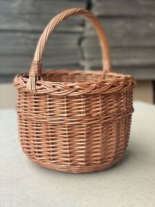 Large Traditional Wicker Shopping Basket / Willow Picnic Basket With Handle