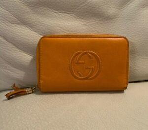 100% Authentic Gucci Orange Soho Zippy Wallet