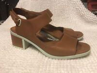 Camper Women's Leather/Rubber Beige Sling Back Sandals Size 41  22527-001 Maude