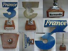 TROPHEE COUPE SIGLE FRANCE 3 NORMANDIE EN ALUMINIUM SUR SOCLE MARBRE