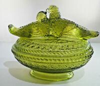 Vintage Westmoreland Green Glass Love birds on Nest