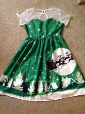 Women's Green And White Christmas Scene Dress Size Large (pre-owned)