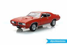 Classic 1969 Pontiac GTO Carousel Red 1:24 scale diecast model hobby car