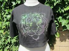 Ribbon-Ladies Black Cropped Top With Sequin Lion Head