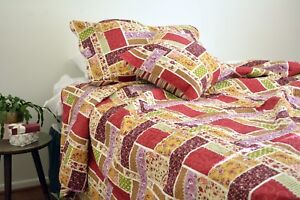 DaDa Bedding Colorful Floral Red Brick Style Patchwork Quilted Bedspread Set