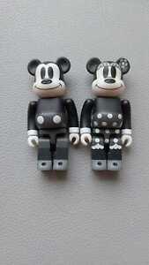 Medicom Bearbrick 100% Mickey Mouse & Minnie Mouse Black & White Ver. 2 Pack Set