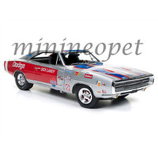 AUTOWORLD AW238 MUSCLE CARS 1970 DODGE CHARGER R/T DICK LADY 1/18 SILVER / RED