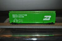 TYCO Burlington Northern BN 100024 GREEN Box Car.  HO SCALE. MADE IN USA VINTAGE