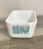 Vtg Pyrex 1 1/2 pt Amish butterprint turquoise rooster Refrigerator Dish no lid
