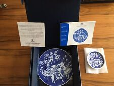 Royal Copenhagen Collector Dishes Plate Children's Christmas 2000 Collection