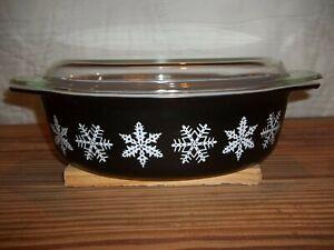 Vintage 1956 PYREX 2 1/2 QT Black White Snowflake Oval Casserole Dish w Lid 045