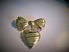 """Brooch Reads """"I Love You Grandmother� �Jewelry Garage Sale!�Avon Bow N Heart"""