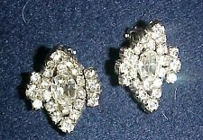 NOW HERE IS A PAIR OF EARRINGS.VINTAGE R/S CLIPS WITH STUNNING STONES, CUPPED I