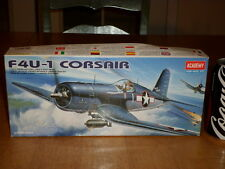 WW#2, USA, F4U-1 CORSAIR, Fighter Plane, Plastic Model Kit, Scale 1/72