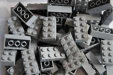 LEGO 70 x LIGHT GREY  BRICKS 2 x 4 No 3001 ( CITY, STAR WARS, FRIENDS, MOVIE)