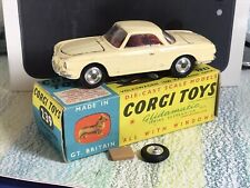 Corgi Toys #239 Volkswagen 1500 Karmann Ghia VG/NMinVGBox cream / red interior