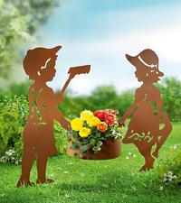 Gartenstecker Junge Mädchen mit Pflanztopf Pflanzschale Rost Edelrost Optik