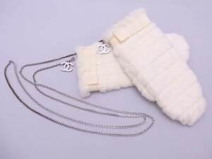 Auth CHANEL CC Logo Mitten Hand Gloves Off White 100% Rabbit Fur/Silver e47673f