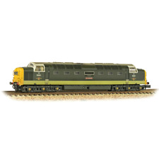 Graham Farish N 371-289 Class 55 Deltic D9001 St Paddy BR 2-tone Green Weathered