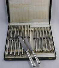 Ecrin 24 couteaux argent massif Minerve, beau modèle Napoléon III excellent état