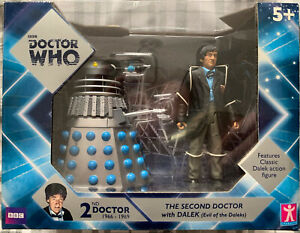 Dr Who 2nd Doctor And Evil Of The Daleks Twin Pack Figure Set