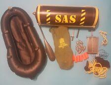 Original VINTAGE ACTION MAN SAS misión secreta Pod Set con armas y Balsa
