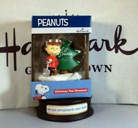 2019 Hallmark Ornament PEANUTS Charlie Brown Let It Snow Christmas Tree Ornament