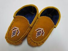 CHILDREN'S NATIVE AMERICAN MOCCASINS/SLIPPERS - RED/WHITE/GOLD BEADING - 6 IN