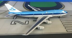 KLM Boeing 747-400 PH-BFE Swan, The World is Just.. 1/400 diecast Phoenix Models