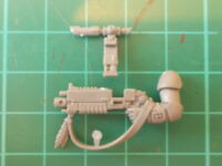 Warhammer 40K - Raven Guard Primaris Bolt rifle arm - 40k bits