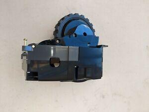 iRobot Roomba e5/E5 Replacement Right Side Wheel