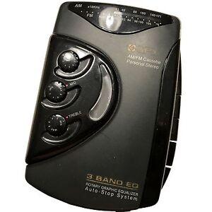 Vintage GPX C3124U AM/FM Cassette Personal Stereo walkman, equalizers