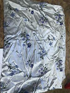 Vintage Fabric Beautiful Floral Print 2+ Yards