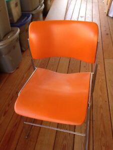 DAVID ROWLAND 40/4 Vintage Mid Century Modern Stacking Chair 1979 Orange Steel
