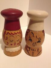 VINTAGE WOOD WOODEN MAN AND WOMAN CHEF COUPLE SALT & PEPPER SHAKERS JAPAN MADE