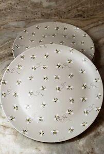 The Prairie Flying Bumble Bee Set Of 4 Melamine Dinner Plates