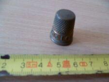 (B20)  PETIT DES A COUDRE EN LAITON MARQUE CABLE LOUIS D'OR