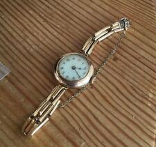 Vintage Señoras Reloj De Oro Macizo 9K. y correa caracteriza.