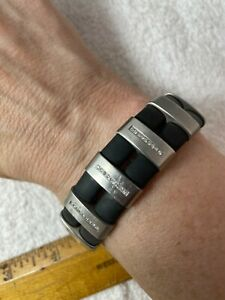 TeNo ShiKou Jewelry Unisex Stainless Steel Black Rubber Bracelet Pave Diamonds