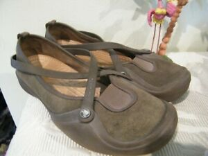 CROC'S *PATRICIA * WOMENS SZ 10 MARY JANE OLIVE SUEDE & LEATHER COMFORT SHOES