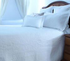 Perisienne Bedspread Set | Machine Washable | Embroidered detail | King Queen