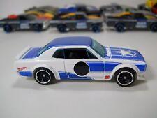 Hot Wheels Nissan Datsun Skyline 1/64 Scale JC57
