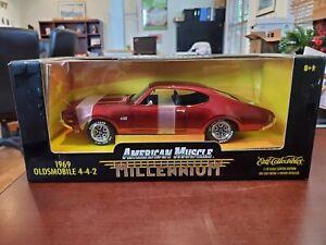 Rare 1969 Oldsmobile 4-4-2 Red Chrome 1:18 American Muscle Millennium ERTL NOS