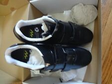 GIANT Pulse  Cycling Shoes SIZE 42.5 EU/9.5 USA, BLACK/WHITE